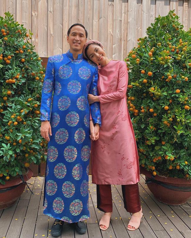Mùng 1 Tết: Ngợp trời sao diện áo dài, nhưng nổi nhất là vợ chồng Hà Tăng và Lan Khuê với cơ ngơi dát vàng-2