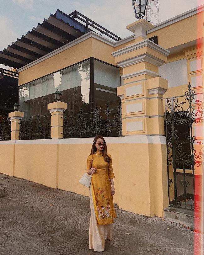 Mùng 1 Tết: Ngợp trời sao diện áo dài, nhưng nổi nhất là vợ chồng Hà Tăng và Lan Khuê với cơ ngơi dát vàng-16
