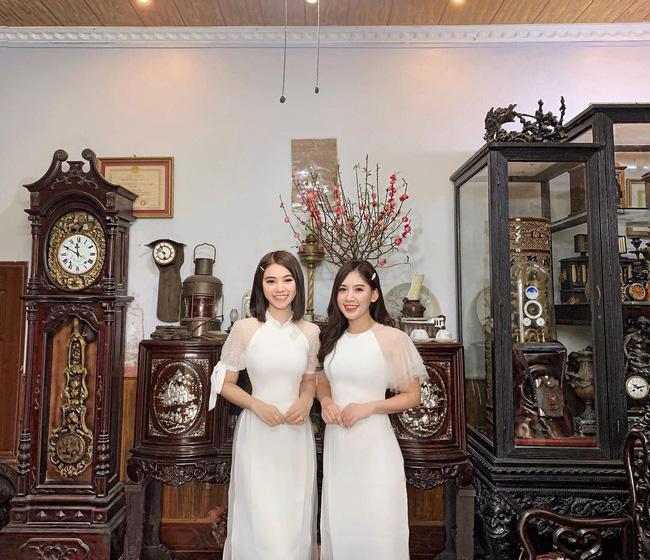 Mùng 1 Tết: Ngợp trời sao diện áo dài, nhưng nổi nhất là vợ chồng Hà Tăng và Lan Khuê với cơ ngơi dát vàng-17