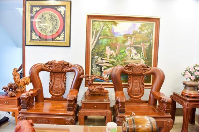 Căn nhà tiền tỷ như cửa hàng đồ gỗ của danh hài Chiến Thắng rực rỡ đón Tết Kỷ Hợi-12