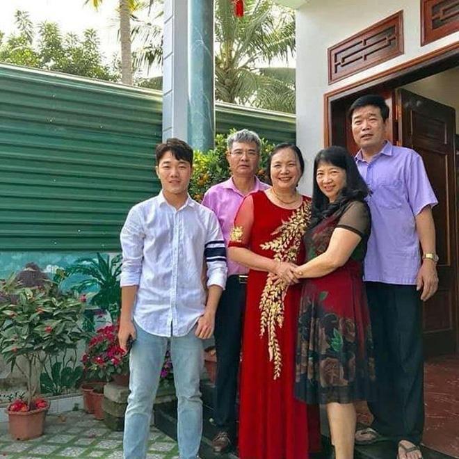 Trang phục Tết của cầu thủ Việt Nam: người cool ngầu, người giản dị-2