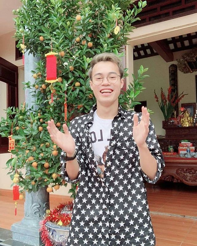 Trang phục Tết của cầu thủ Việt Nam: người cool ngầu, người giản dị-10