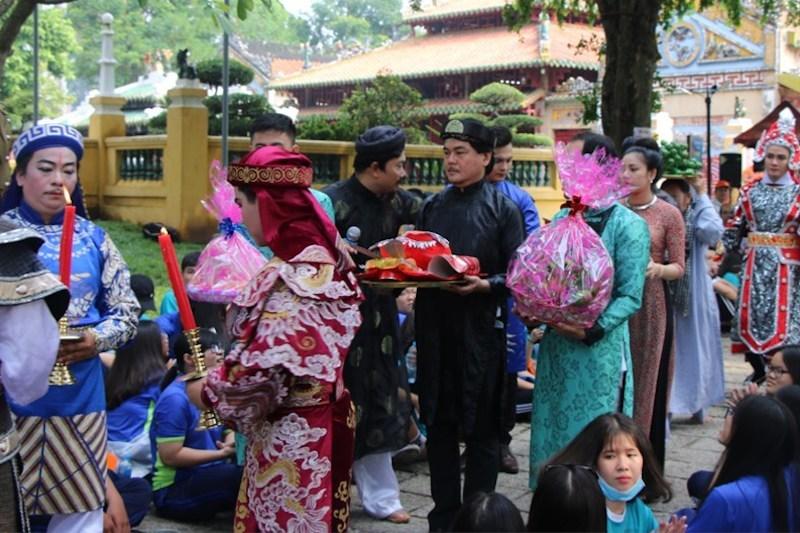 Thầy hiệu trưởng dám chi 300 triệu mời Sơn Tùng M-TP vì học sinh thích-2