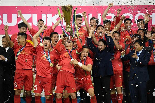 Nhìn lại một năm đại cát của bóng đá Việt Nam-4
