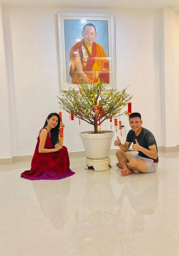 Khoảnh khắc đón Tết cùng nhau của các cặp đôi Sao Việt: Mỗi cây mỗi hoa, mỗi nhà mỗi cảnh-3