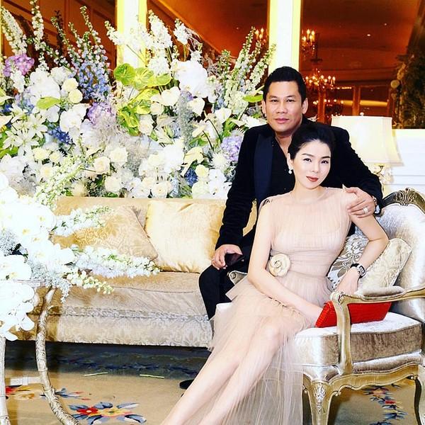 Khoảnh khắc đón Tết cùng nhau của các cặp đôi Sao Việt: Mỗi cây mỗi hoa, mỗi nhà mỗi cảnh-7