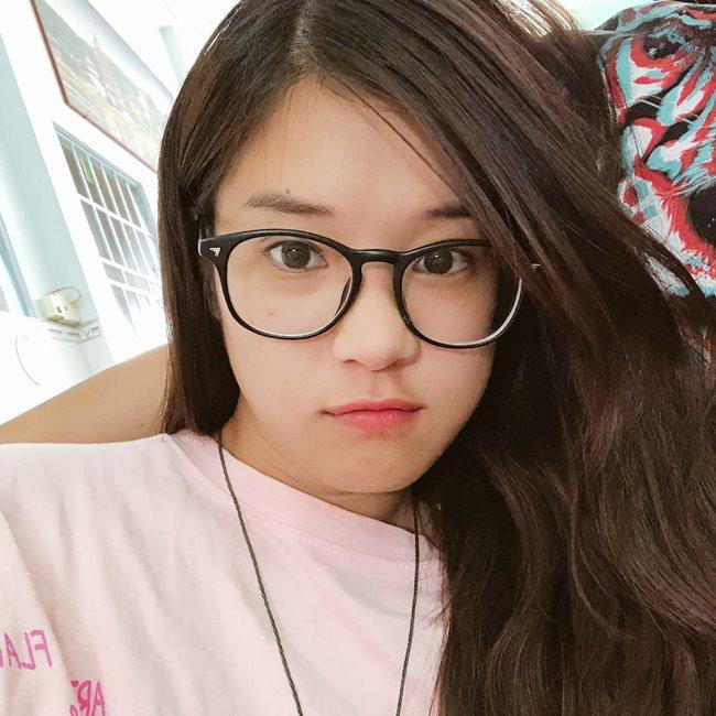Mỹ nhân tuổi Hợi để mặt mộc: Bất ngờ nhất là Angela Phương Trinh, Huyền My-14
