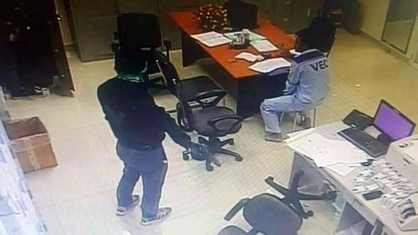 Hành trình 15 giờ phá án, bắt 2 kẻ cướp trạm thu phí Dầu Giây-2