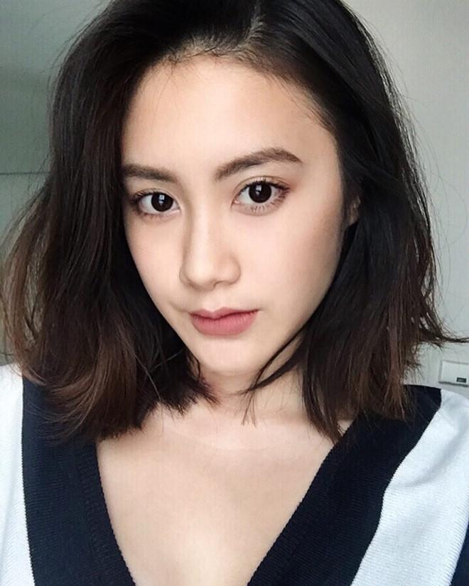 Hot girl Lào gốc Việt đón Tết ở Hà Nội, hào hứng ăn bún riêu vỉa hè-6