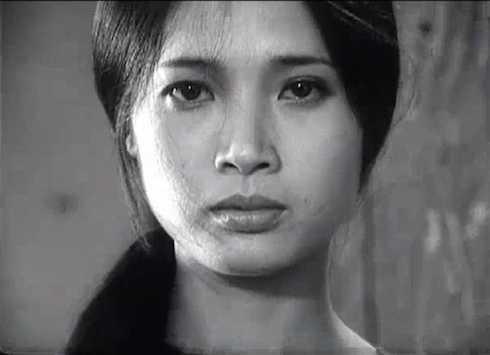 Những mỹ nhân làm chao đảo màn ảnh Việt: Cát-xê 1 tỷ đồng, ra Nghệ An diễn sập cả sân khấu-10