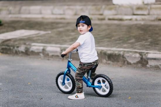 Mới hơn 3 tuổi nhưng Kubi nhà Khánh Thi đã sở hữu loạt đồ hiệu trị giá hàng trăm triệu-3