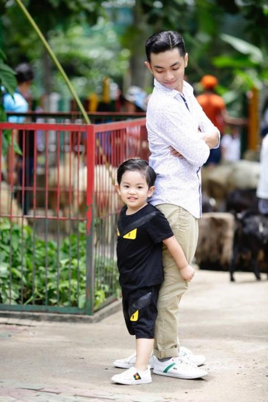 Mới hơn 3 tuổi nhưng Kubi nhà Khánh Thi đã sở hữu loạt đồ hiệu trị giá hàng trăm triệu-5