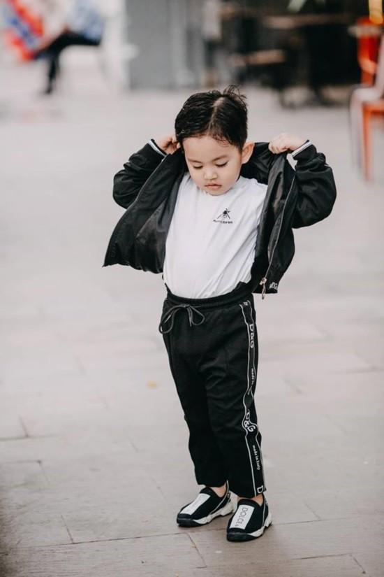 Mới hơn 3 tuổi nhưng Kubi nhà Khánh Thi đã sở hữu loạt đồ hiệu trị giá hàng trăm triệu-10