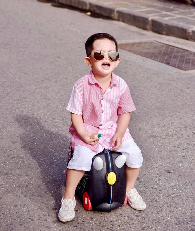 Mới hơn 3 tuổi nhưng Kubi nhà Khánh Thi đã sở hữu loạt đồ hiệu trị giá hàng trăm triệu-13