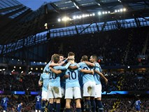 Đè bẹp Chelsea 6-0, Man City trở lại ngôi đầu Premier League