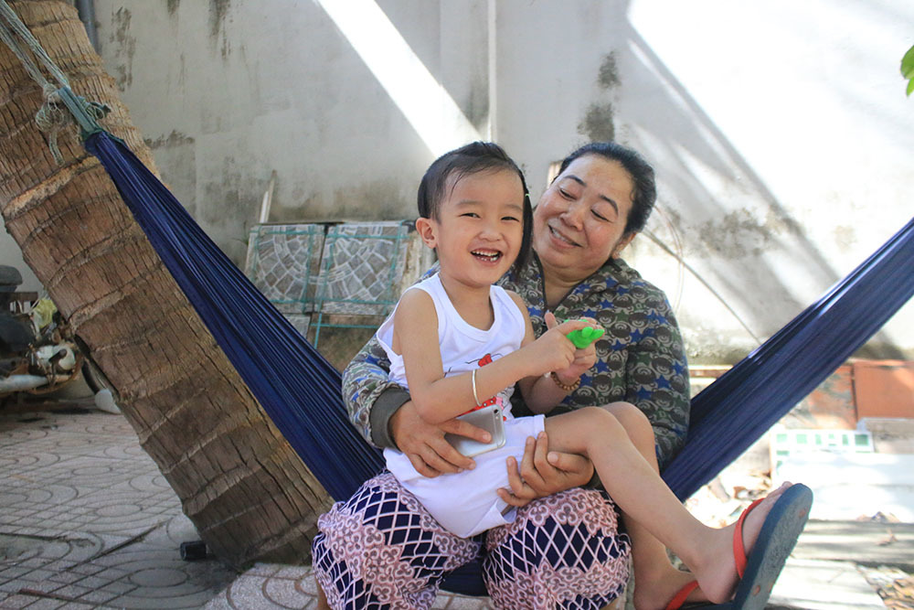 Cuộc gọi từ nhà chùa khiến cuộc đời chị giúp việc đổi thay-4