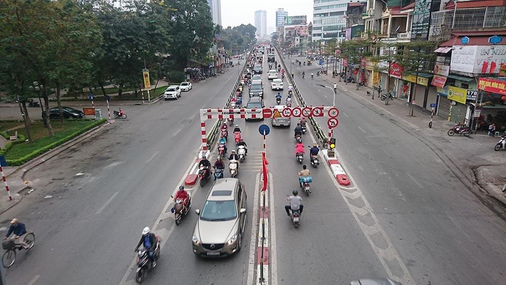 Lạ kỳ phố Hà Nội vắng hắt hiu ngày đầu đi làm sau Tết-5