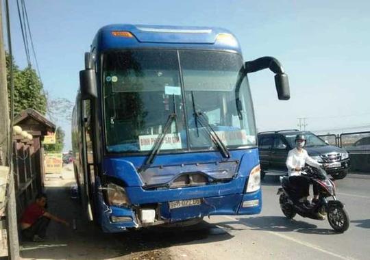 Vụ tai nạn thảm khốc 3 người chết ở Thanh Hóa: Tài xế xe khách không làm chủ tốc độ?-2