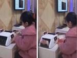 Bịt mắt đếm tiền nhanh như máy để lập kỷ lục thế giới tại Trung Quốc-1