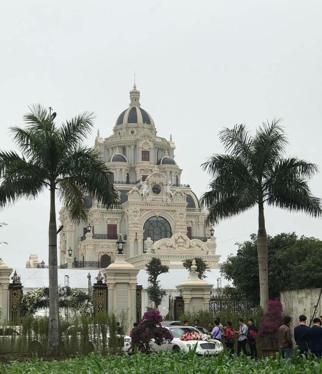 Rò rỉ hình ảnh xa hoa bên trong lâu đài 7 tầng của gia đình cô dâu xinh đẹp nổi tiếng Nam Định-7