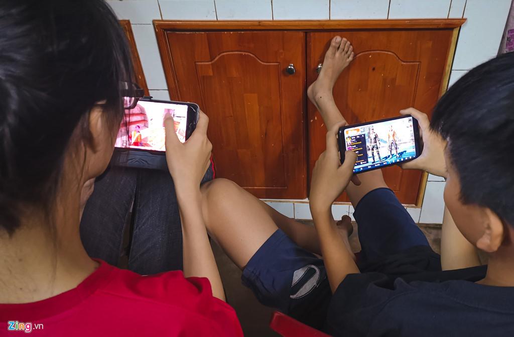 Bố mẹ tôi ăn Tết cùng smartphone như thế nào?-4