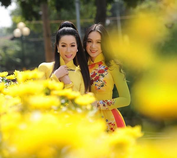 Bất ngờ con gái 16 tuổi xinh như hoa khôi của á hậu Trịnh Kim Chi-12
