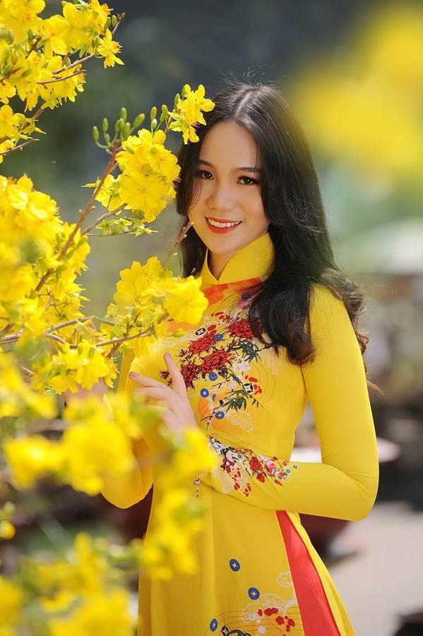 Bất ngờ con gái 16 tuổi xinh như hoa khôi của á hậu Trịnh Kim Chi-13