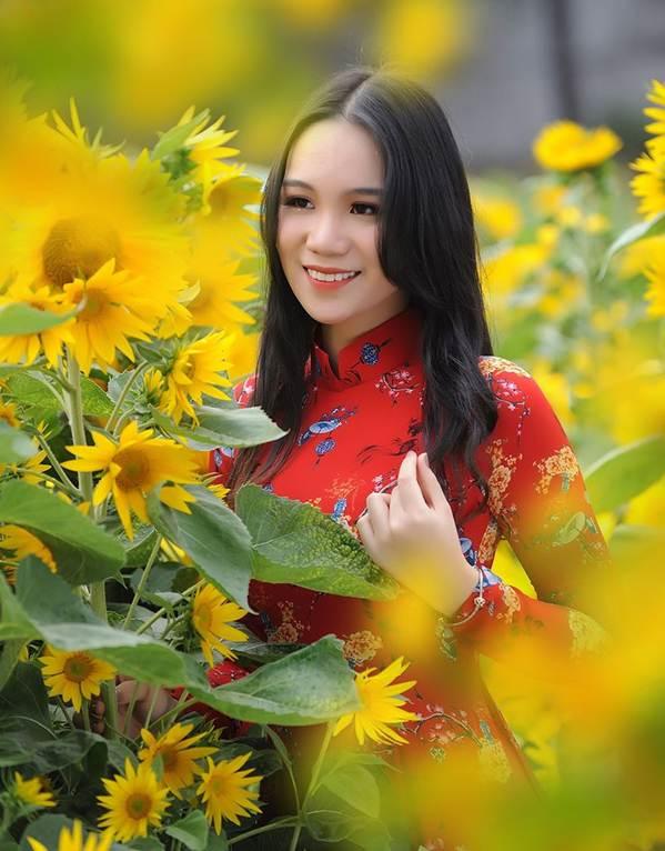 Bất ngờ con gái 16 tuổi xinh như hoa khôi của á hậu Trịnh Kim Chi-9
