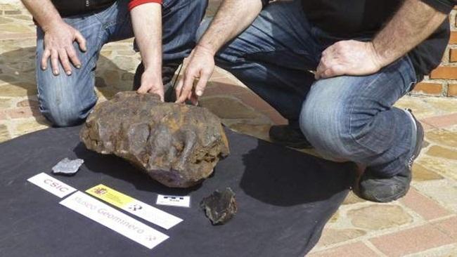 Nhìn qua xấu xí vô dụng, thực ra các khối đá này đáng giá tiền tỷ-12