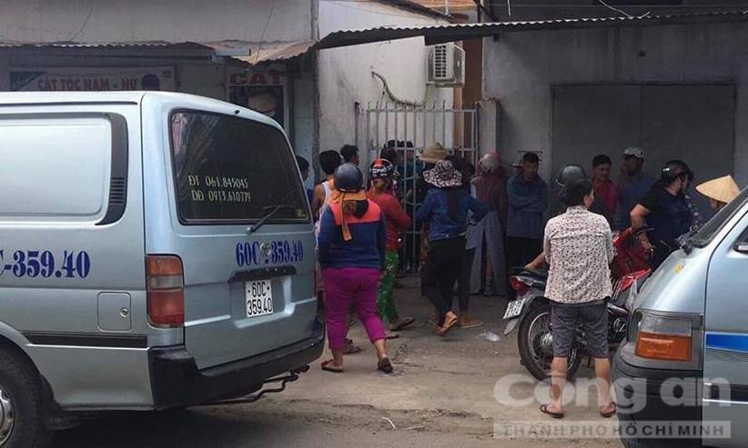 Chồng nghi sát hại vợ rồi tự tử, bỏ lại con nhỏ khóc ngất bên thi thể cha mẹ trong phòng trọ ở Đồng Nai-2