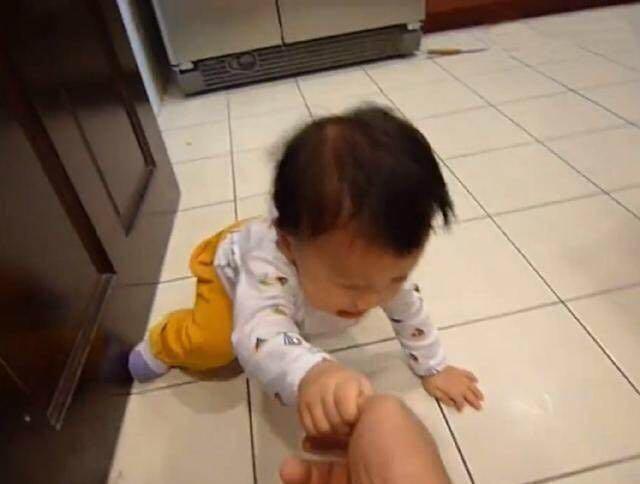 Bé 3 tuổi ăn vạ, mẹ ra tay xử lý, 1 tiếng sau im bặt và cách dạy con khiến phụ huynh tán thành-3