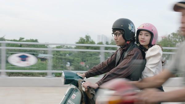 Phim trăm tỷ mùa Tết - Cua lại vợ bầu và Siêu sao siêu ngố có thực sự là tuyệt phẩm của điện ảnh Việt?-13
