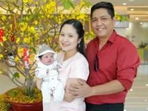 Bỏ qua ồn ào với Trấn Thành, Đức Thịnh hạnh phúc đón vợ và con trai về nhà