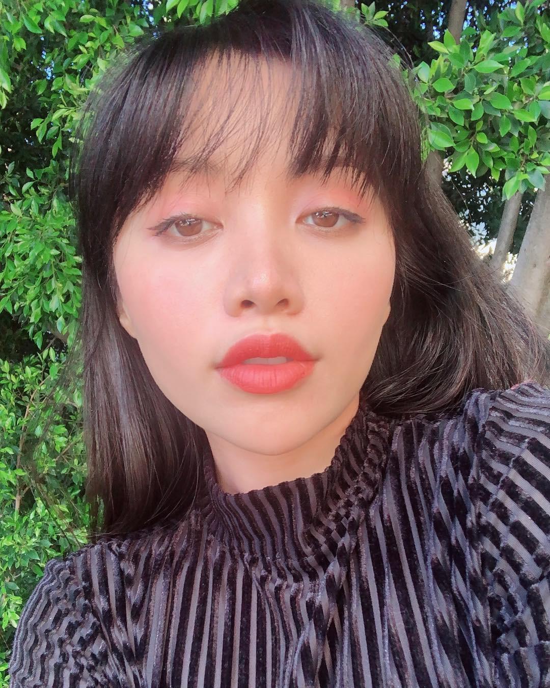 2 bí kíp makeup đơn giản nhưng max xinh của Michelle Phan: một kiểu sang chảnh, một kiểu hack tuổi cực hiệu quả-7