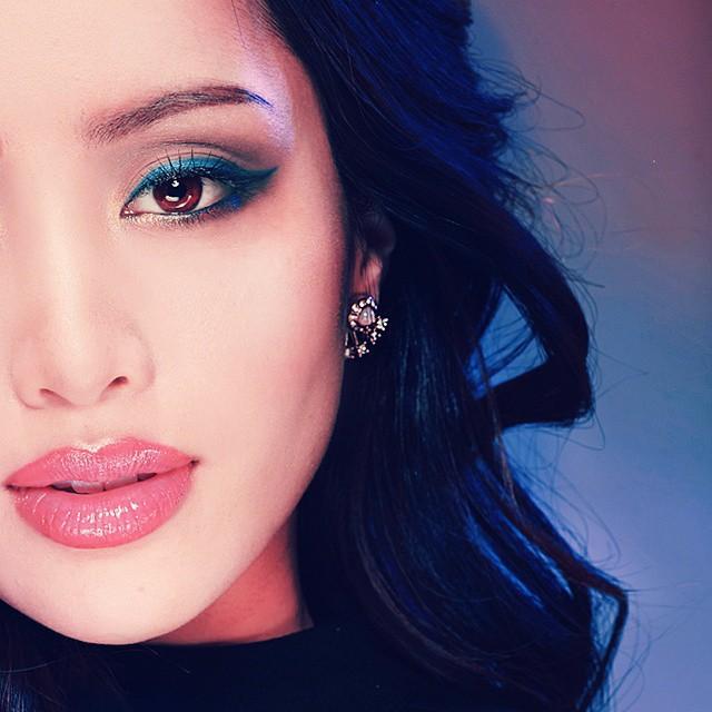 2 bí kíp makeup đơn giản nhưng max xinh của Michelle Phan: một kiểu sang chảnh, một kiểu hack tuổi cực hiệu quả-1