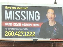 Mỹ: Con trai biến mất suốt 2 tháng, gia đình gốc Việt dựng biển quảng cáo khổng lồ tìm tung tích