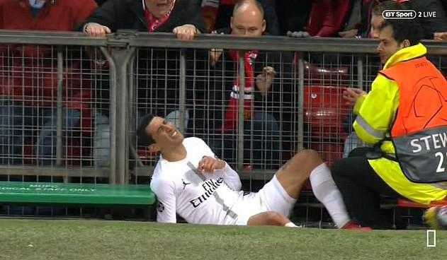 Bị fan MU ngược đãi và bị đội trưởng MU chơi xấu, ngôi sao PSG đáp trả bằng 2 pha kiến tạo đẳng cấp-3