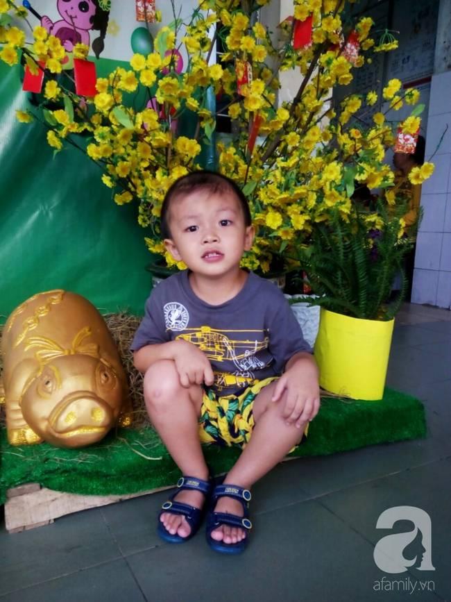 Bé trai Vĩnh Long bị đâm xuyên não lúc mới sinh đón giao thừa cùng mẹ trong viện, ngổn ngang nỗi lo sau Tết-3