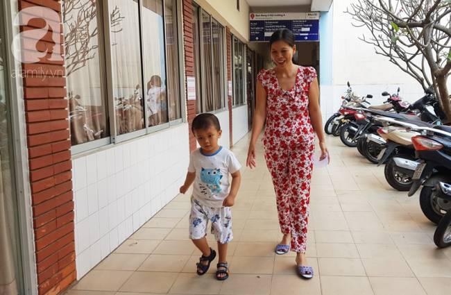 Bé trai Vĩnh Long bị đâm xuyên não lúc mới sinh đón giao thừa cùng mẹ trong viện, ngổn ngang nỗi lo sau Tết-6