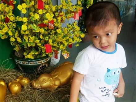Bé trai Vĩnh Long bị đâm xuyên não lúc mới sinh đón giao thừa cùng mẹ trong viện, ngổn ngang nỗi lo sau Tết