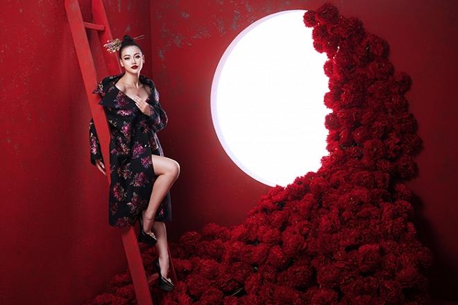 Hoa hậu Trái đất Phương Khánh tung bộ ảnh nữ hoàng quyền lực, đậm chất Á Đông-10