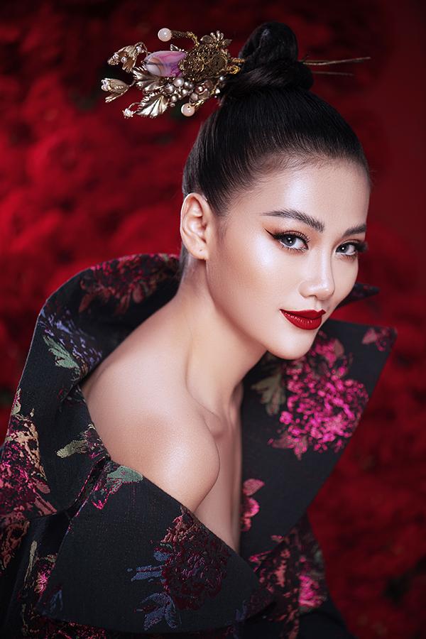 Hoa hậu Trái đất Phương Khánh tung bộ ảnh nữ hoàng quyền lực, đậm chất Á Đông-13