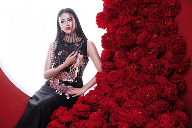 Hoa hậu Trái đất Phương Khánh tung bộ ảnh nữ hoàng quyền lực, đậm chất Á Đông-2