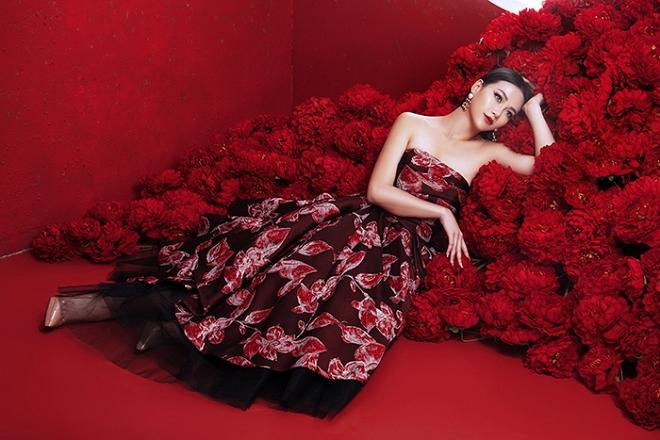 Hoa hậu Trái đất Phương Khánh tung bộ ảnh nữ hoàng quyền lực, đậm chất Á Đông-6