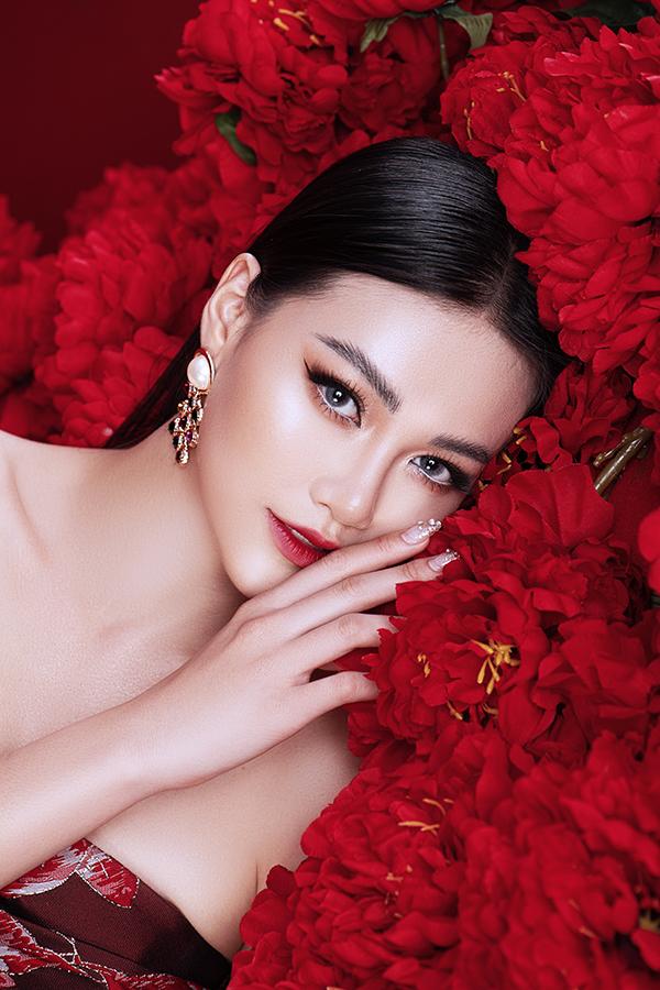 Hoa hậu Trái đất Phương Khánh tung bộ ảnh nữ hoàng quyền lực, đậm chất Á Đông-7