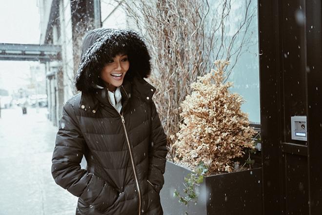 Hoa hậu HHen Niê đẹp như tranh với thần thái ngút ngàn dưới trời tuyết trắng xoá-4