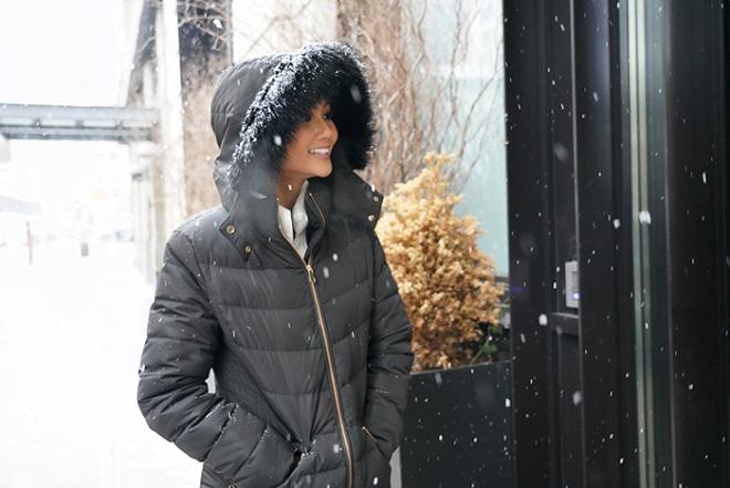 Hoa hậu HHen Niê đẹp như tranh với thần thái ngút ngàn dưới trời tuyết trắng xoá-10