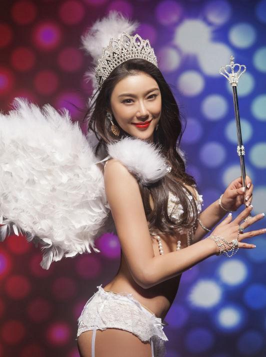 Hư Trúc nổi tiếng của Thiên long bát bộ: Bị đuổi khỏi showbiz, bạn gái nóng bỏng bỏ rơi-7