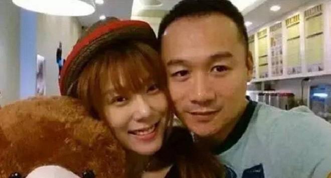 Hư Trúc nổi tiếng của Thiên long bát bộ: Bị đuổi khỏi showbiz, bạn gái nóng bỏng bỏ rơi-6