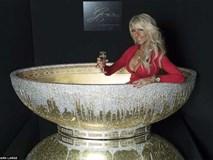 Giới siêu giàu vung tiền tỷ mua đồ dùng nhà tắm dát toàn vàng, kim cương